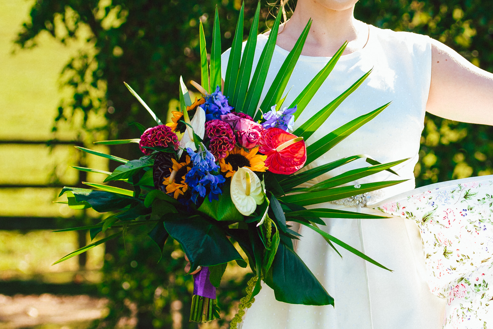 garden-weedon-tropical-bouquet-1